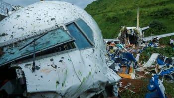 Při leteckém neštěstí v Kalikatu zemřely roční i dvouleté děti. Příbuzní piloty hájí