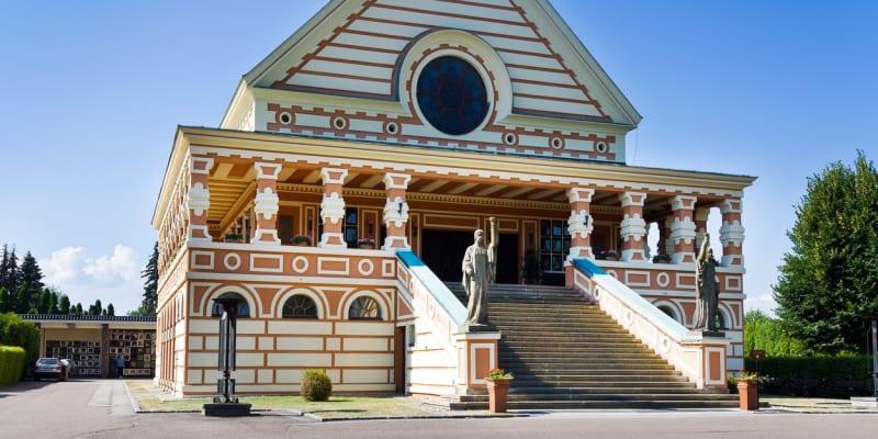 Krematorium v Pardubicích je výjimečnou ukázkou rondokubismu.