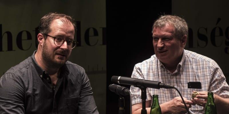 Maďarský spisovatel Dénes Krusovszky (vlevo) a překladatel László G. Kovács