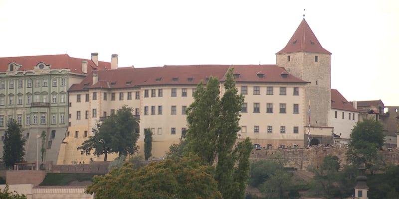 K Lobkowiczkému paláci vedou Staré zámecké schody.