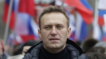 Navalnyj ukončí protestní hladovku. Necítí končetiny, lékaři se obávají o jeho život