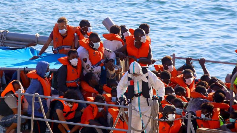 Uprchlík si chtěl splnit evropský sen. Po zážitku na Kanárech lituje a žádá vyhoštění
