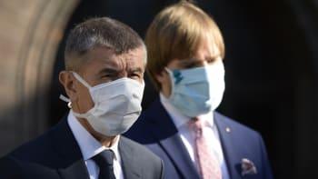 Advokát podal trestní oznámení na Babiše a Vojtěcha: Ministerstvo šlo proti prognózám