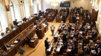 Sledujte ŽIVĚ: Poslanci proberou spotřební daň pivovarů i bezpečnostní prověrky
