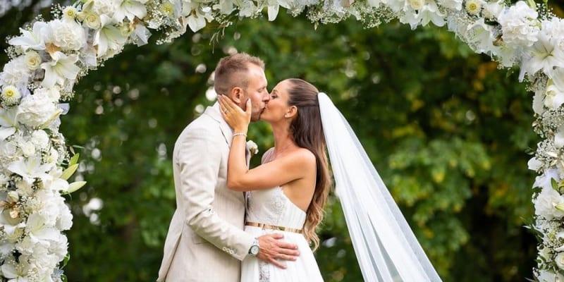 Bývalý fotbalista Daniel Kolář se podruhé oženil.
