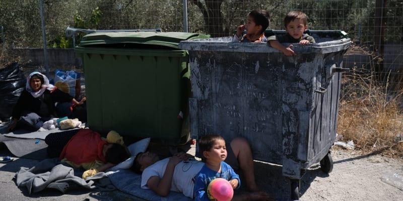 Mluvčí řecké vlády uvedl, že nikomu jinému úřady ostrov blízko tureckých břehů opustit nepovolí.