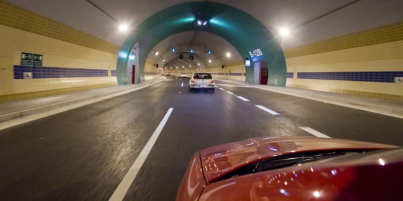 Tunelem Blanka řidiči projíždějí už pět let, i když k řádné kolaudaci došlo až v roce 2019.