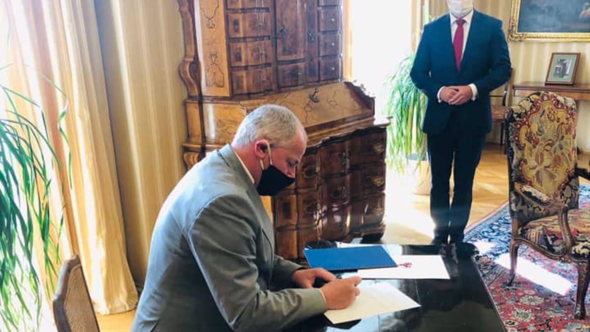 Prezident Zeman jmenoval v Lánech ministrem zdravotnictví Romana Prymulu