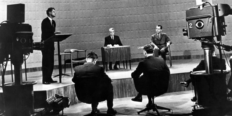 26. září roku 1960 přišla revoluce na televizních obrazovkách. Vůbec poprvé se vysílala debata dvou prezidentských kandidátů.