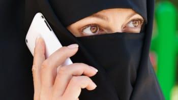 Češka, která pronikla do mešit, varuje. Německé kontrarozvědce utíkají informace