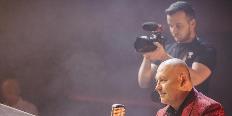 Fotografie z natáčení videoklipu Na dlani od Michala Davida a slovenské zpěvačky Kristíny