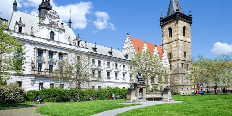 Karlovo náměstí je největší v Česku.