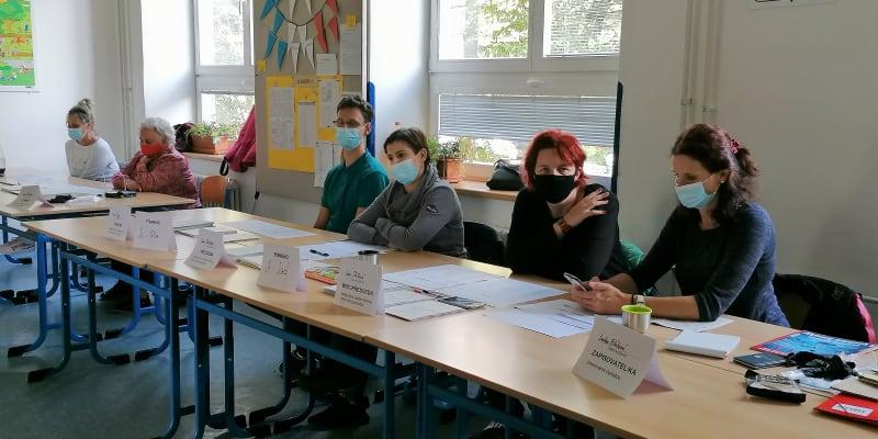 Okrsková komise na Wichterlově gymnáziu v Ostravě-Porubě