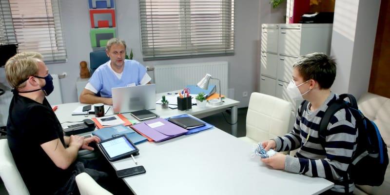 Jirka se setkal také s hercem Igorem Chmelou.