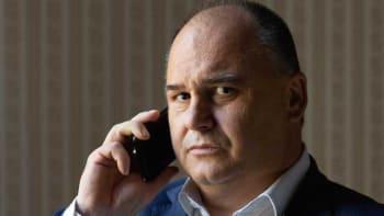 Birke: Zeman může krizi prohloubit, ale i uklidnit. Česko teď sleduje celý svět