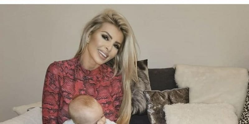 Lela se s dcerou Lili odstěhovala zpět na Slovensko.
