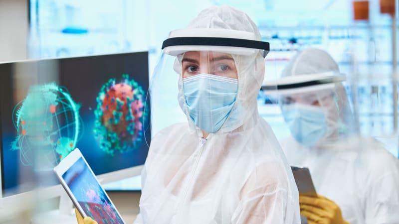 Dvojitá protilátka vítězí i nad mutacemi koronaviru. Testovali ji v Akademii věd ČR