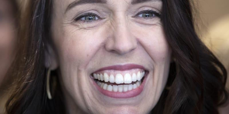 Ardernová ve volbách rozdrtila soupeře.