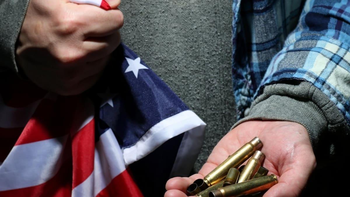 Zachvátí USA po volbách občanská válka? Lidé si připravují zásoby jídla i střeliva