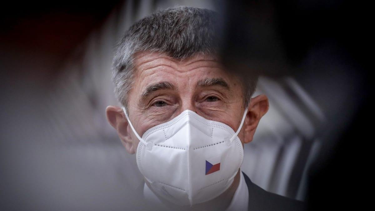 ON-LINE: Lockdown jako na jaře. Co čeká Česko další týdny? Sledujte mimořádné vysílání