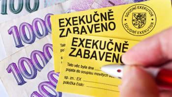 Dlužníkům se může ulehčit život. Sněmovna schválila zastavení bezvýsledných exekucí