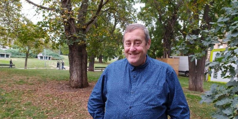 Peter Freestone pro zpěváka pracoval dvanáct let a byl s ním ve dne i v noci