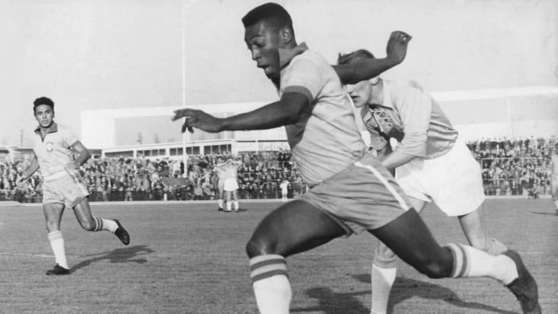 Pelé slaví 80 let. Byl jako z jiné galaxie, říká jeho nejbližší spoluhráč Pepe