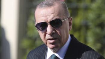 Erdogan doporučil Macronovi vyšetření u psychiatra. Vadí mu jeho názory na islám