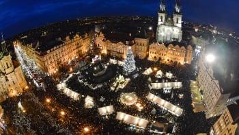 Kvůli koronaviru se ruší vánoční trhy. Na Staroměstském náměstí bude alespoň strom
