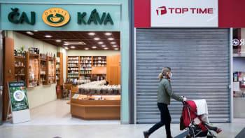Obchody a vybrané služby se otevřou 3. května, schválila vláda. Má to ale podmínku
