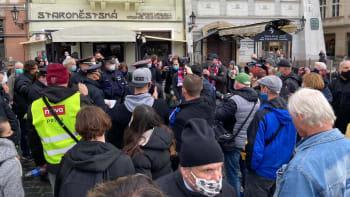 ON-LINE: Vláda ničí životy, zaznělo na demonstraci. Došlo i k několika konfliktům