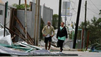 Bouře Zeta znovu zesílila na hurikán. Blíží se k Louisianě, která vyhlásila stav nouze