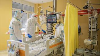 Rekord v počtu vážných případů covidu. V nemocnici je nejvíc pacientů od listopadu