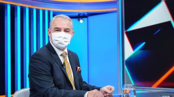 Středula: Řítíme se proti zdi a smějeme se, zasáhnout musí Miloš Zeman