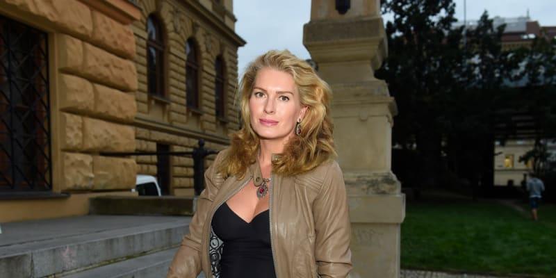 Olga Menzelová na výstavě Praha 1989 cesta ke svobodě. (24. září 2019)