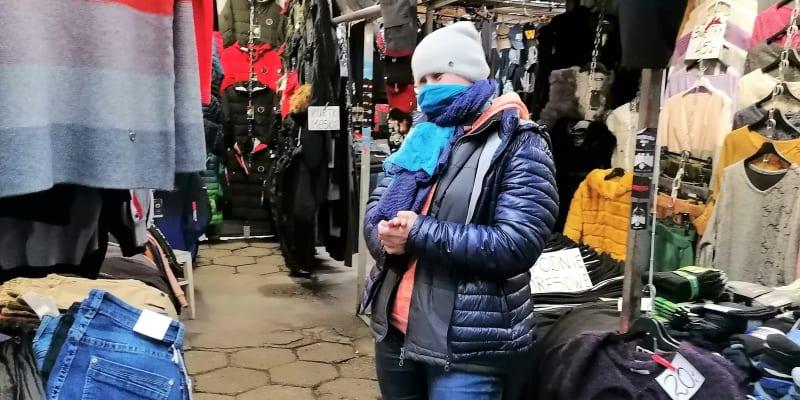 Jola prodává v tržnici a věří, že ženy vybojují svobodnější Polsko.