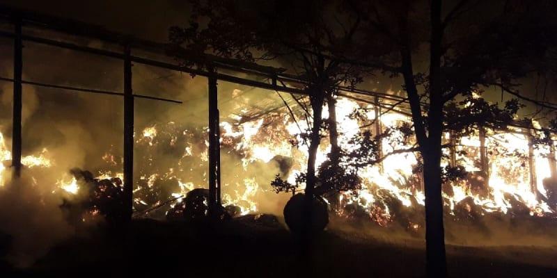 Vprůběhu zásahu se na místo události dostavil majitel ocelokolny, po dohodě sním nechali hasiči ocelokolnu kontrolovaně dohořet.