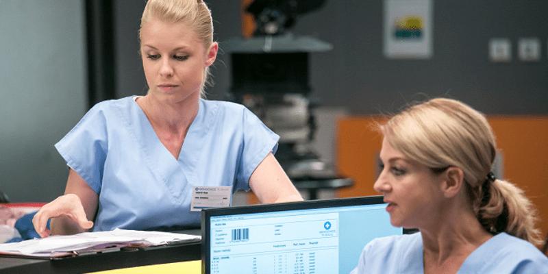 Michaela Sejnová v seriálu Modrý kód.