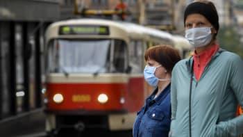 Sledujte ŽIVĚ HLAVNÍ ZPRÁVY: Nakažených přibývá, co na to hlavní hygienička?