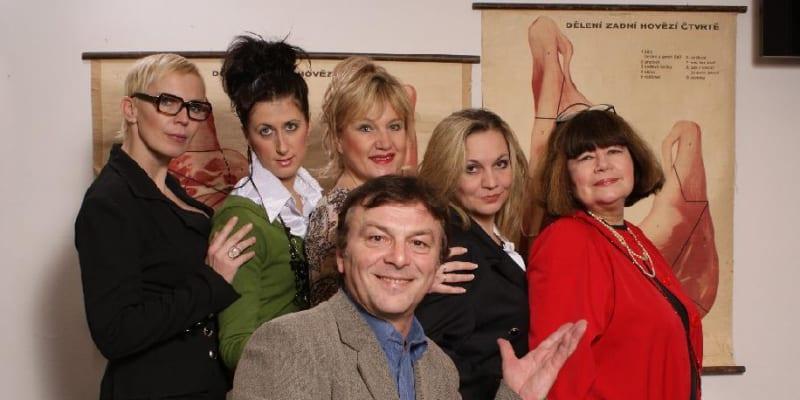 S představením Sborovna slaví jeho divadlo úspěch po celé zemi.