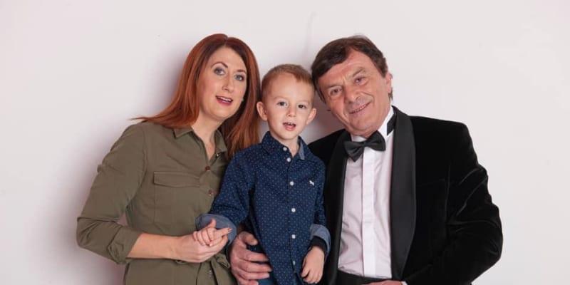 S manželkou Monikou a synem Maxmiliánem