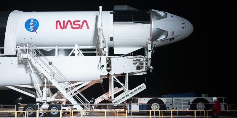 Start rakety Falcon 9 byl kvůli počasí odložen.