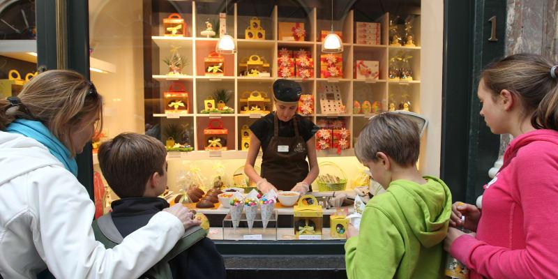 """Čokoláda je zde opravdu nepostradatelná surovina,"""" říká výrobkyně čokolády Marleen Van Voslemová z čokoládovny Praleen ve městě Halle jižně od Bruselu."""
