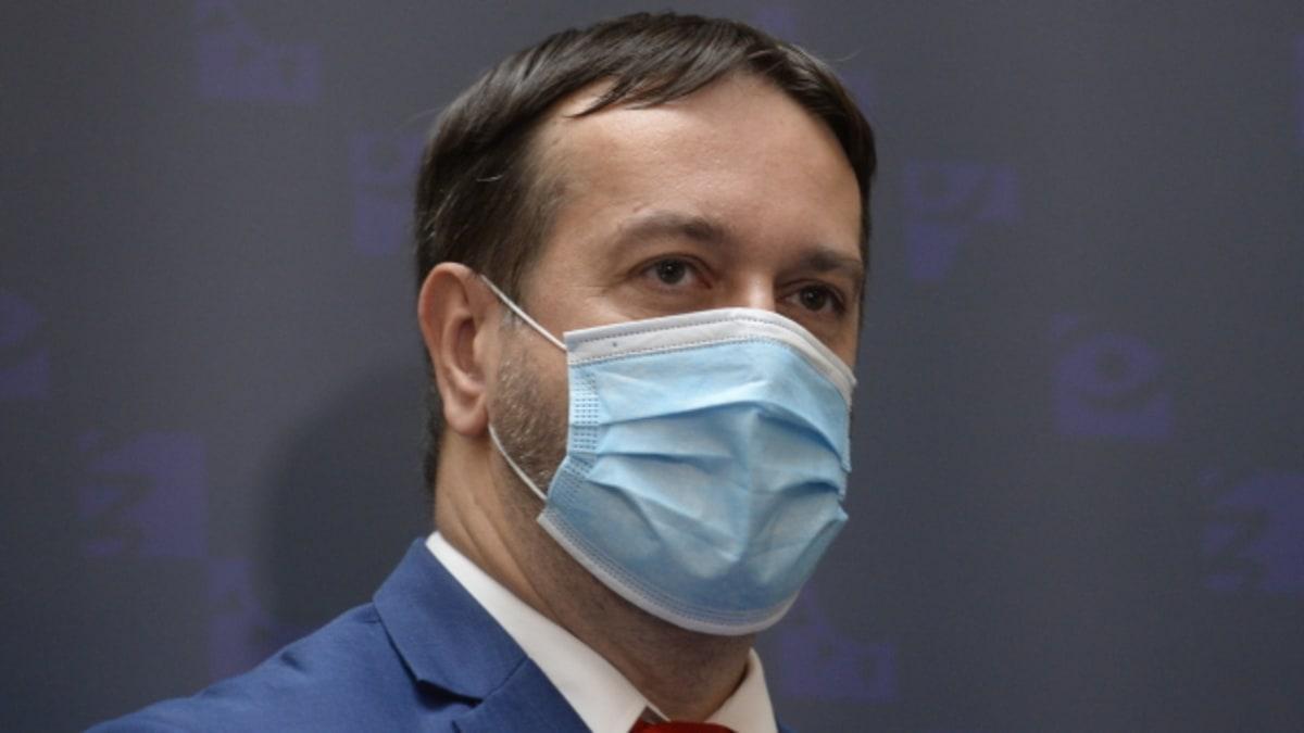 Epidemiolog Maďar varuje před rozvolňováním. Budou výkyvy a v lednu přijde nárůst