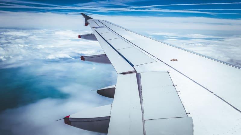 Půlku všech leteckých emisí má na svědomí jediné procento populace, tvrdí experti