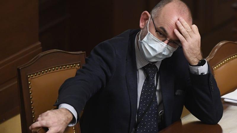 Sněmovna debatovala o očkování. Poslanci na to měli jen tři hodiny