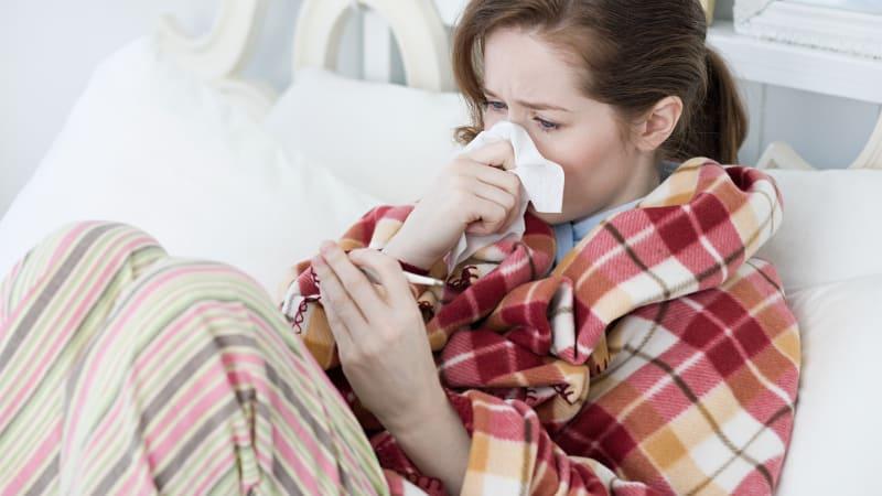 Sledujte ŽIVĚ Hlavní zprávy: Mráz, pak 26 °C. Víkendové teplotní výkyvy ohrozí naše zdraví