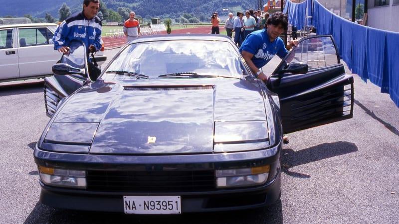 Maradona a jeho bláznivý život s auty: Začínal s Fiatem, Ferrari chtěl v černé