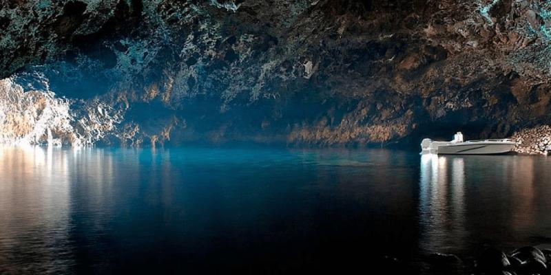 Jeskyně u Filicudi