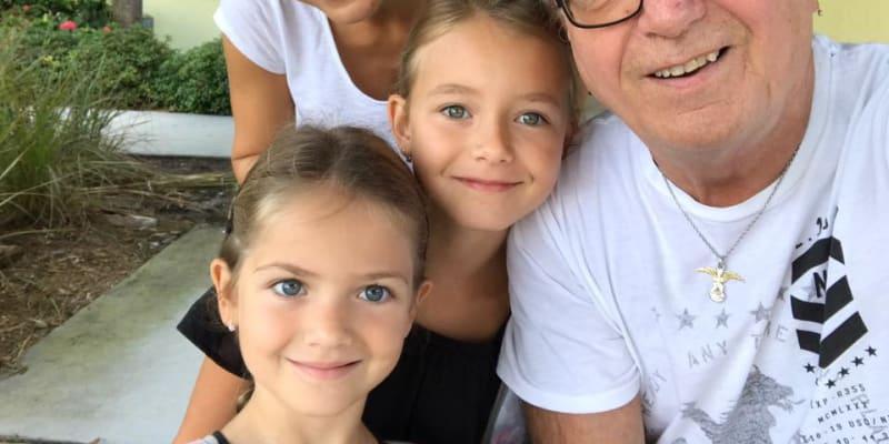 S manželkou Alicí a dcerami Rozárkou a Anežkou